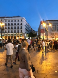 Sunday night crowds at Puerto del Sol