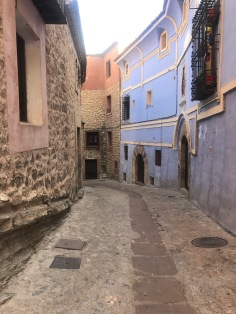 Windy cobbled road, easy to get lost in Albarracín