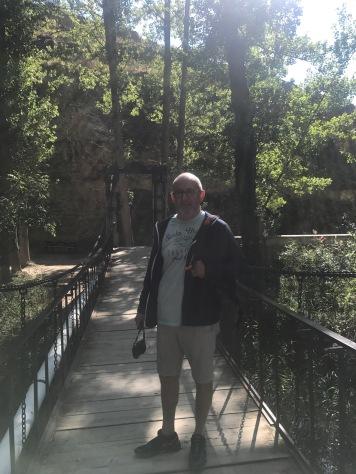 Walking along the river in Albarracín