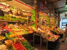 Fruit sellers at Mercado de Triana