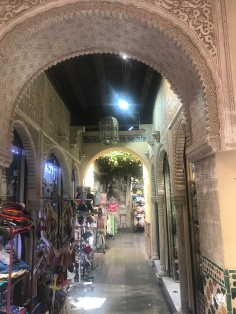 Historic centre tourist shops, Granada