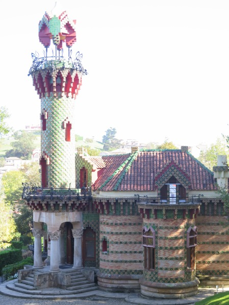 The minaret at El Capricho de Gaudi
