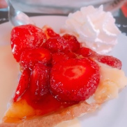fresh strawberry tart in Saint Médard de Guizières
