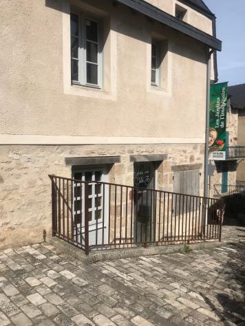 Julie's studio in Terrasson-Lavilledieu.