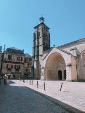Church square at Saint-Pierre de Beaulieu
