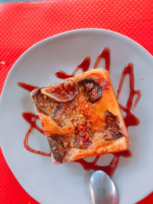 Fig and Nut tarte in Menu du jour, Meyssac, France