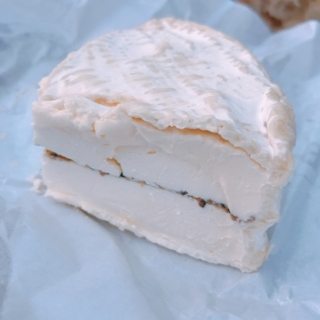 Soft cheese with truffle filling