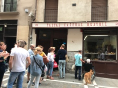 Not sure what this bakery was selling bu the queue outside means it was probably good, in Pamplona Spain